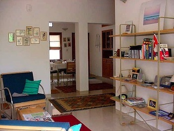 The Caravanserai apartments are Located in and around vasant kunj, vasant vihar and shanti kunj  This  two-bedroom serviced apartment is 102 sq.m ,  and can sleep 4 people maximum.  The apartment has