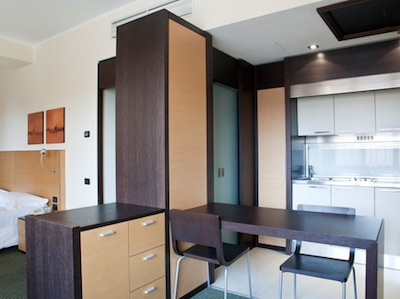 Surrounded by the greenery of Segrate and overlooking a small lake, the Jolly Hotel Milano 2 Residence, has been renovated in year 2006. This  studio serviced apartment is 28 sq.m ,  and can sleep 2 p
